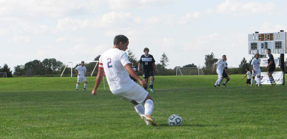 Photo for Men�s Soccer Suffers 3-0 Loss to Beavers