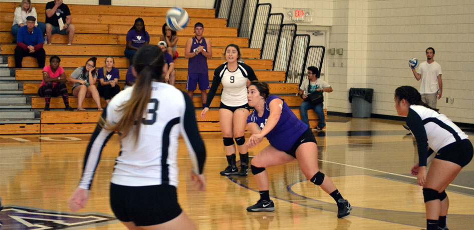 Photo for Volleyball Winless at Eureka College Quad