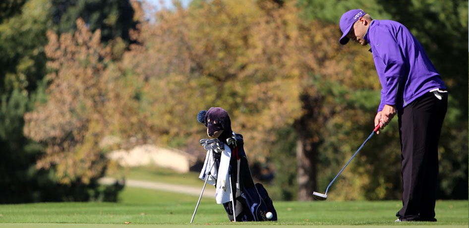 Photo for Men's Golf Wins Second Straight Tournament, Neff Takes Medalist Honors